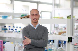 Investigador U. Mayor demostró el rol de la microbiota en la mayor sobrevida de pacientes con cáncer de páncreas